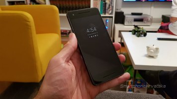 Google Pixel 2 xl recenzija (15)