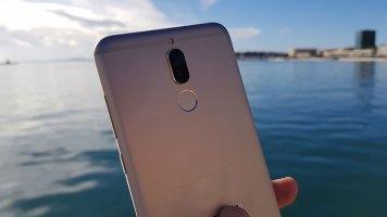 Huawei Mate 10 Lite recenzija (8)