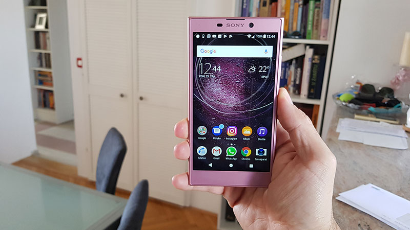 Recenzija: Sony Xperia L2