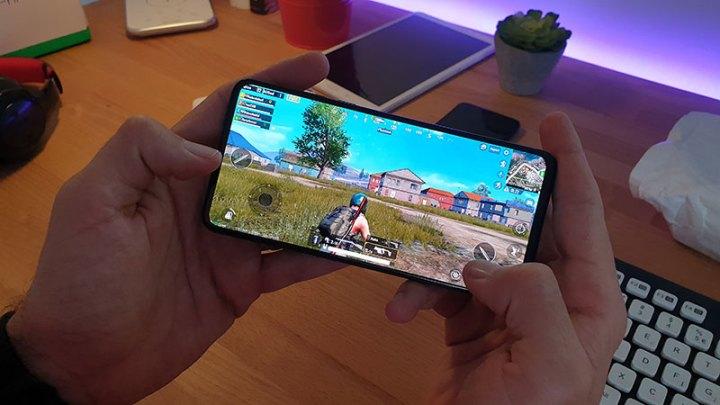 Xiaomi Mi MIX 3 Recenzija