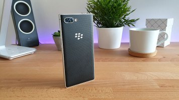 BlackBerry Key2 Recenzija (1)