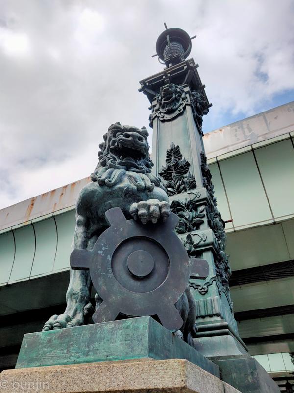 Legacy Lion on NIHON-BASHI bridge