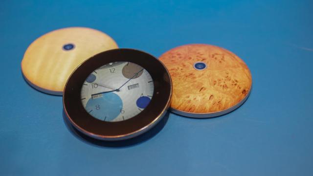 runcible analog clock and compas