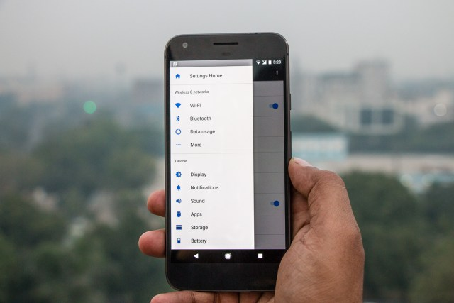 google-pixel-xl-with-google-assistant-21