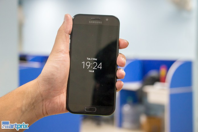 Best Amoled Display Smartphones Under Rs 20 000