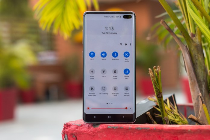 Best Punch Hole Display Phones That You Can Buy - Smartprix