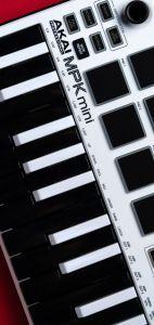 Akai Keyboard Samsung Galaxy S10 wallpaper