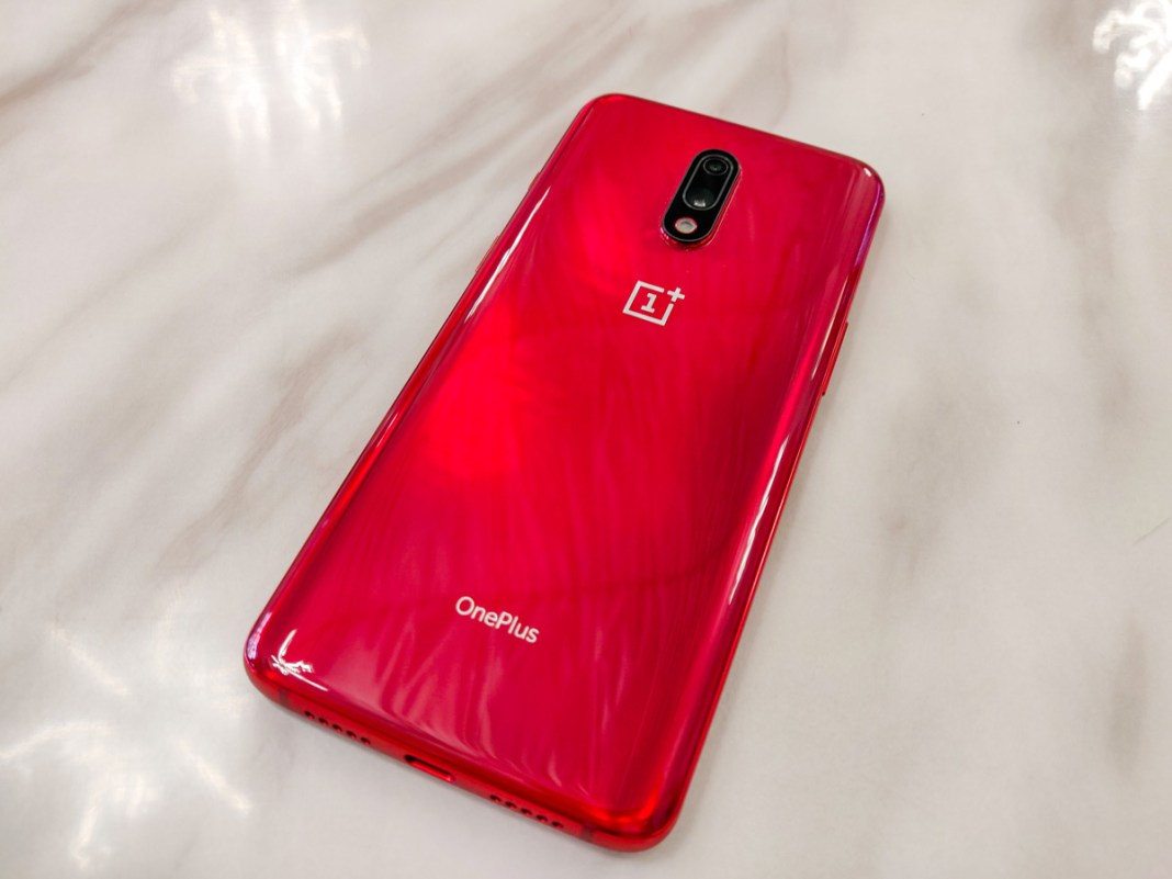 OnePlus 7 Review with Pros and Cons: Should you buy it