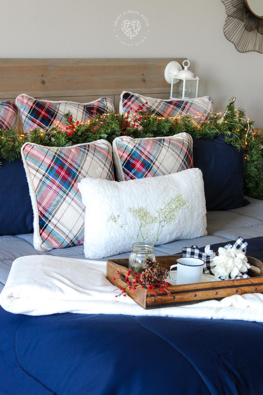 Cozy Holiday Bedding Smart School House