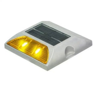 ROAD-377 Solar Traffic Stud
