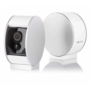 SOMFY Indoor Security Camera With A Privacy Shutter