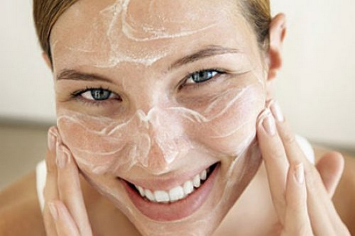 Beauty treatments with baking soda