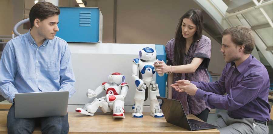 NAO humanoid robots socializing