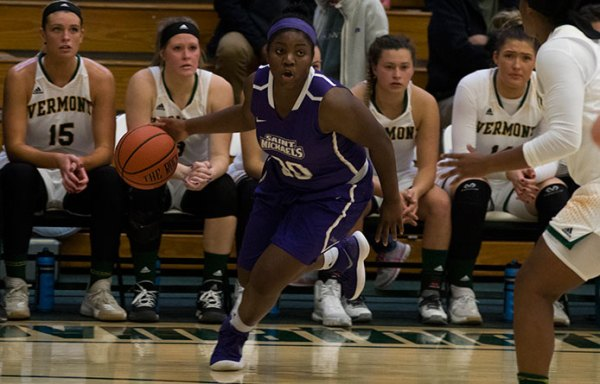 Women's Basketball Hangs with No. 10 Stonehill Before ...