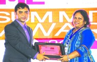 RAHUL GOSWAMI OF HPE GIVING AWAY SUPER50 AWARD TO KAMTRON SYSTEMS P. L