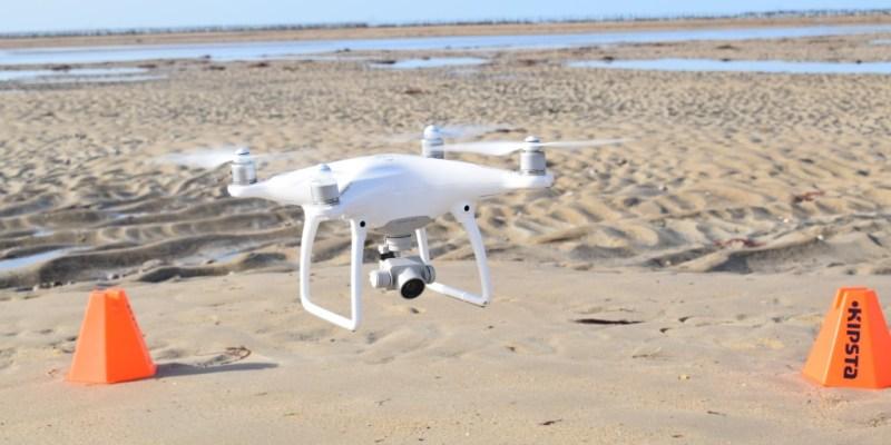 Le drone utilisé pour la cartographie des hermelles en Normandie (@SMEL)