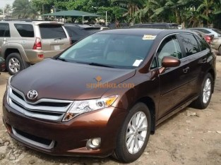 Clean Direct Tokumbor 2013 Toyota Venza with full option