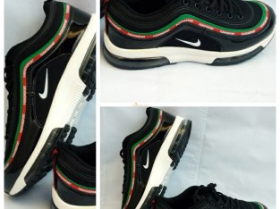 Nike Runfast Sneakers (Size 42)