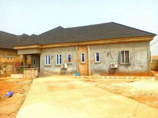 Ensuit 3 Bedroom Bungalow at Airport Road