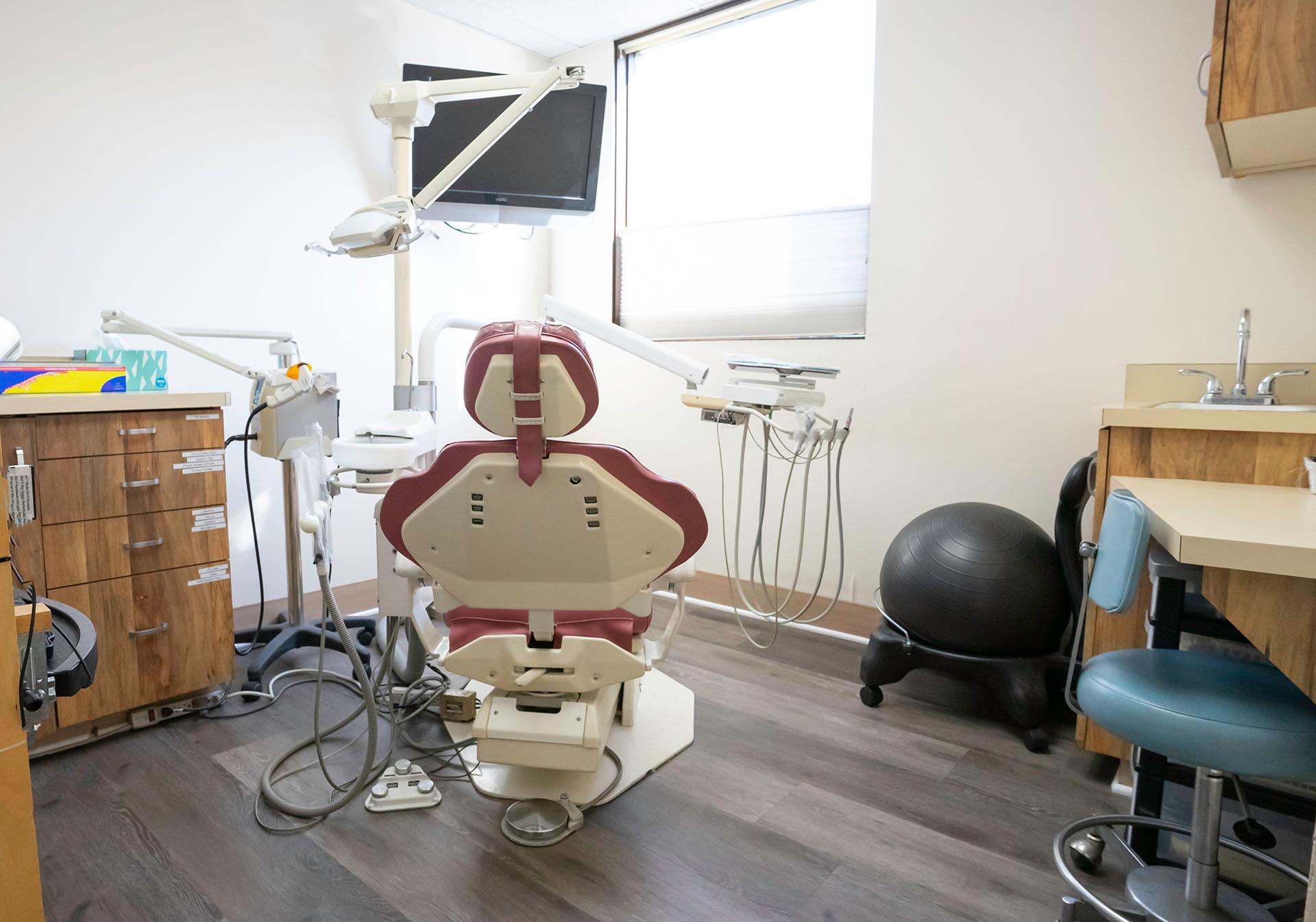 Tustin-avenue-dental-team (4)