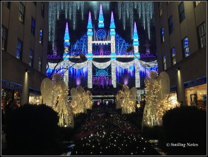 saks light show
