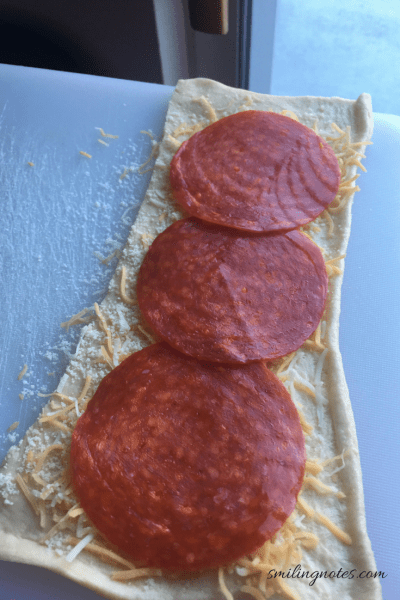 pepperoni pizza twists step by steps