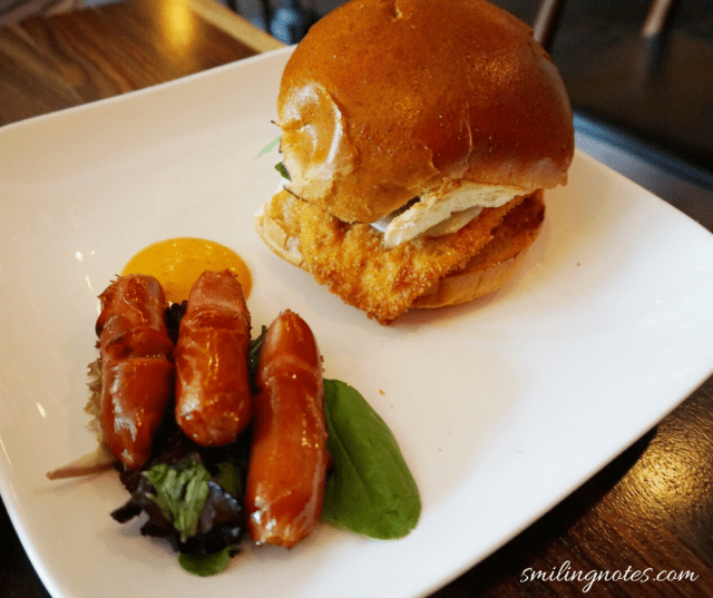 Free-range chicken sandwich with Japanese sausages