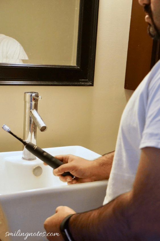 Using Philips Sonicare DiamondClean Toothbrush