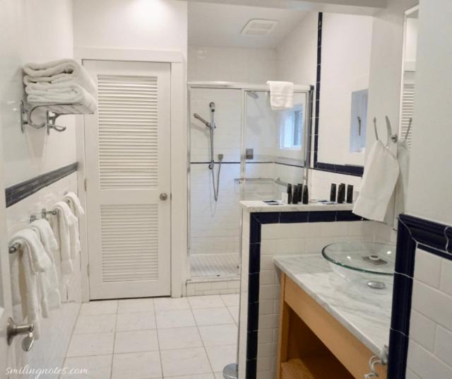 north cottage bathtroom