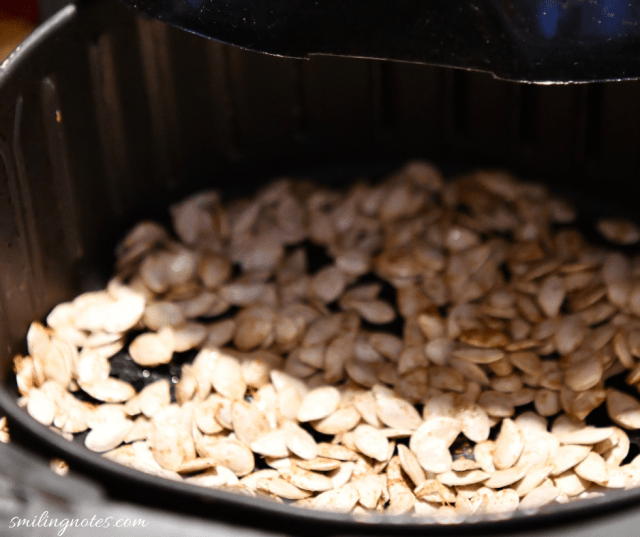 airfryer roasted chipotle bbq pumpkin seeds