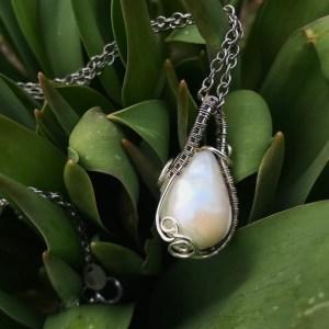 Håndlavet sølvhalskæde med ferskvandsperle