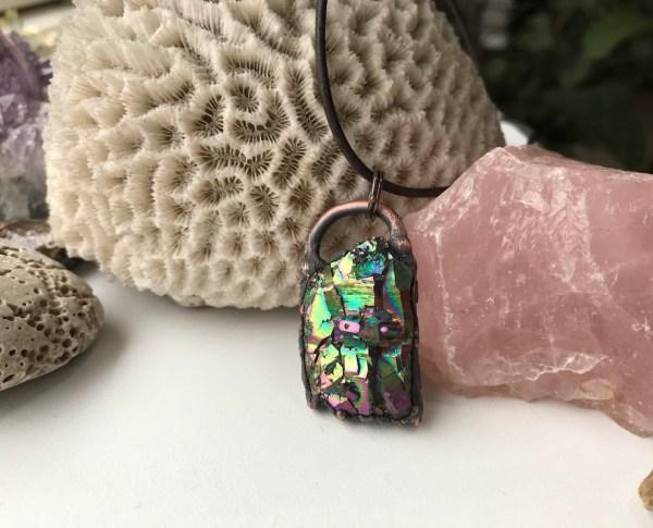 Multifarvet kobber krystalhalskæde
