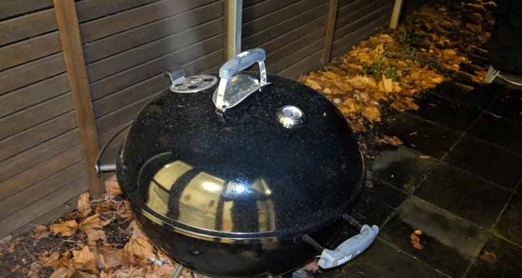 Smoking on a weber kettle