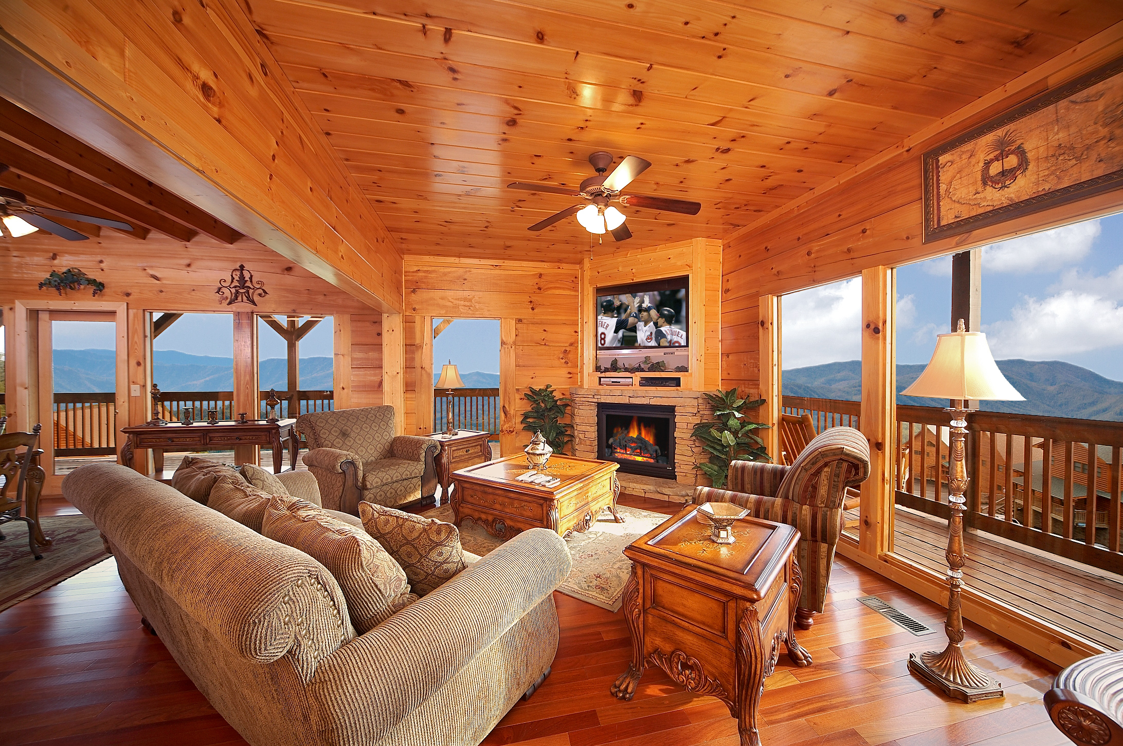Luxury cabin rentals in the smoky mountains for Large cabin rentals in tennessee