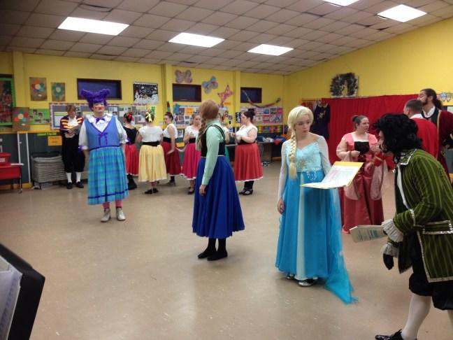 6-costumes