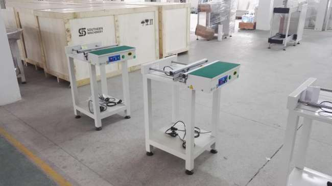 S-350C Standard 0.5M Conveyor waiting to deliver