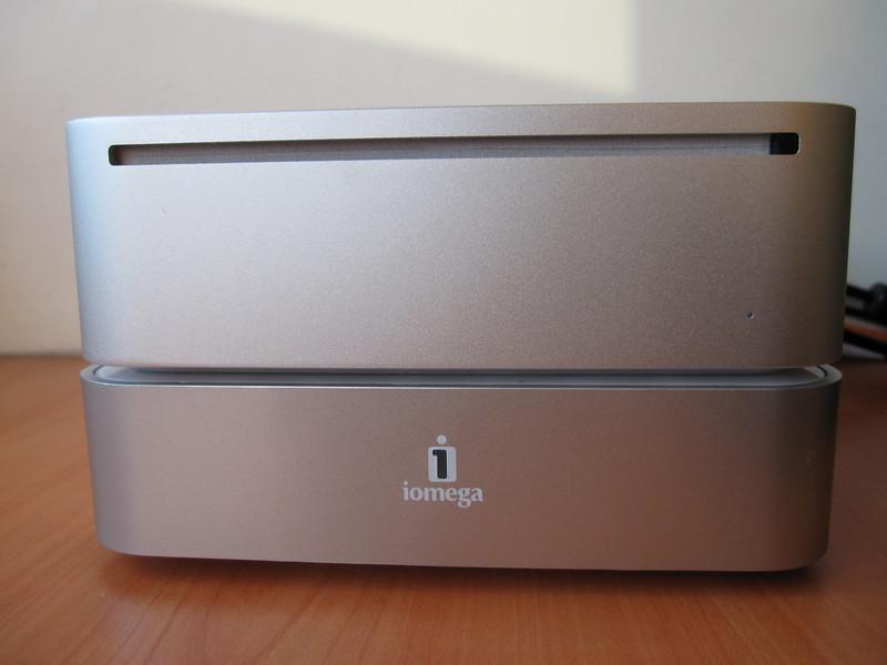 Iomega Mini Max 1 TB Hard Disk with Apple Mac Mini
