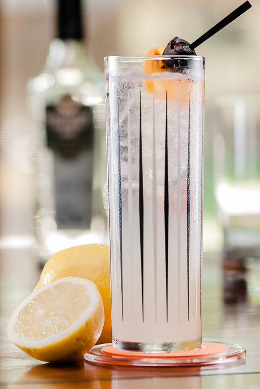 The tom collins cocktail cold glass the tom collins cocktail solutioingenieria Images