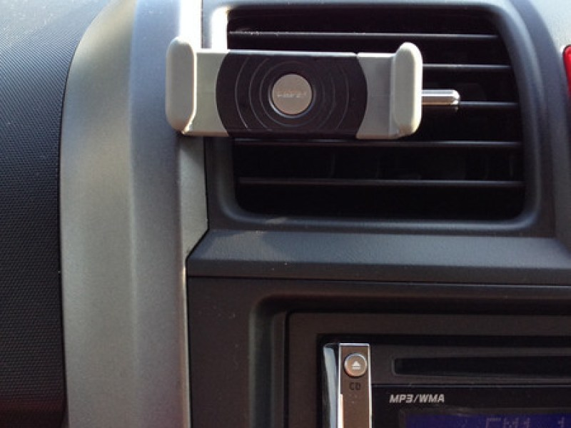Kenu Airframe Car Vent Mount for iPhone