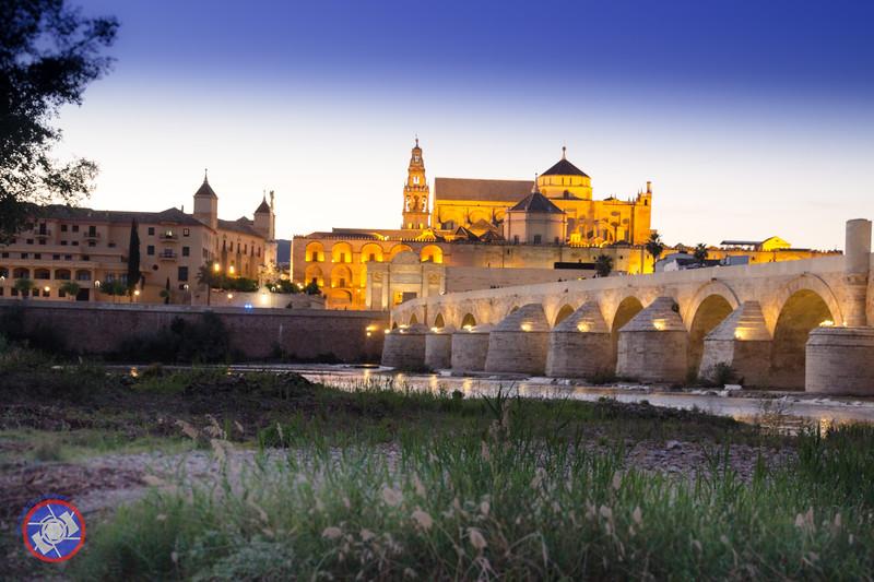 The Landmark Roman Bridge in Cordoba (©simon@myeclecticimages.com)