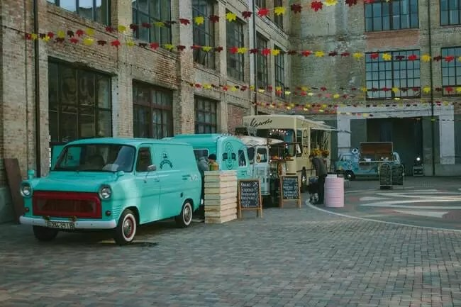 festive-food-truck-for-company-party