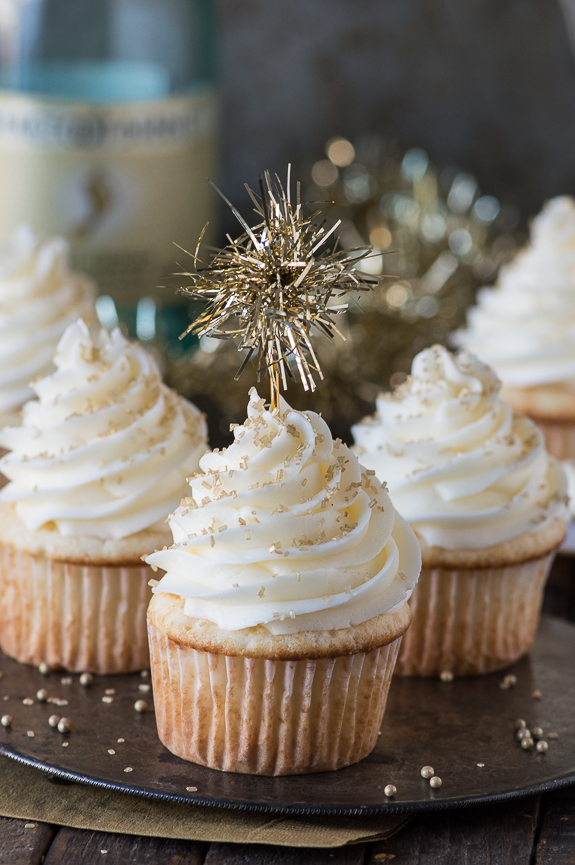 11 New Year s Really Cool Cupcakes Photo   Happy New Year Cupcakes     New Year Dessert Recipes Easy
