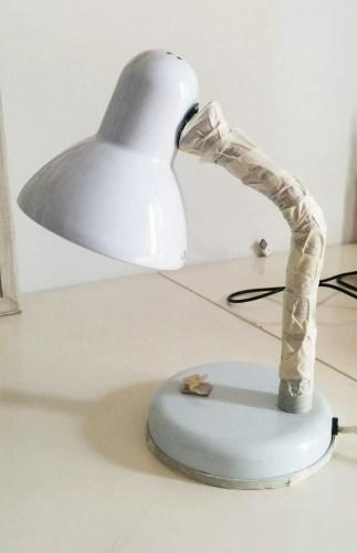 lámpara pintada con spray