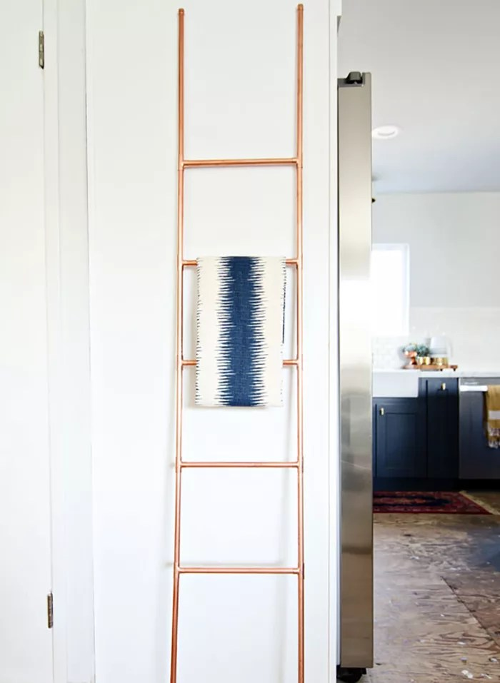 DIY escalera con tuberías