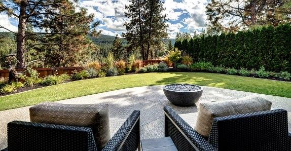 backyard-chairs