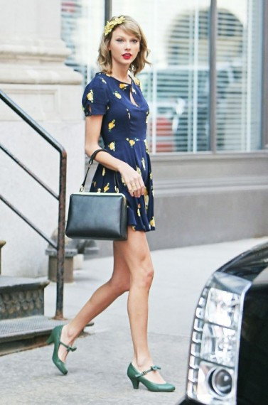 Taylor Swift wearing a pair of green vintage style Mary Jane Shoes. Mary Janes ~ celebrity street style
