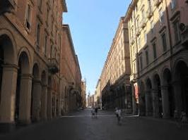 Bologna in un giorno, via Indipendenza
