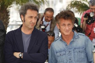 """Sean Penn e Paolo Sorrentino sul red carpet di """"This must be the place"""""""
