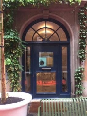 F ndaco roma il primo concept street shop della capitale for Fondaco significato