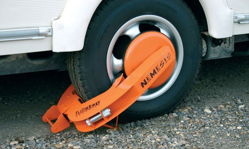 Nemesis Wheel Clamps